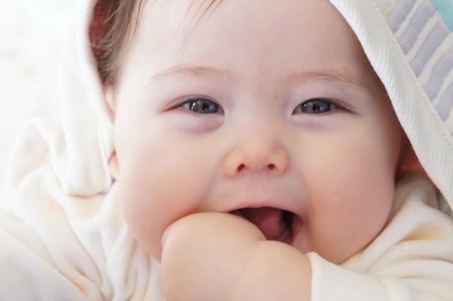 新生児メレナとは?原因や症状は?入院期間はどれくらい?